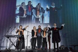 Inauguration du LUDyLAB à Chambretaud en Vendée : cofondateurs du LUDyLAB (Claire, Jean-Michel et Pascale Mousset & François Routhiau) avec Odile Amossé et Calixtre de Nigremont et le décompte en fond (1)