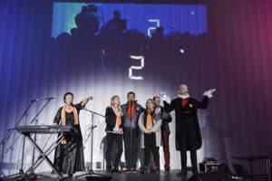 Inauguration du LUDyLAB à Chambretaud en Vendée : cofondateurs du LUDyLAB (Claire, Jean-Michel et Pascale Mousset & François Routhiau) avec Odile Amossé et Calixtre de Nigremont et le décompte en fond (2)